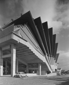 Kikutake-Kiyonori-Miyakonojo-Civic-Center-1966-Miyazaki-Japan-Photo-Shinkenchiku-sha-1